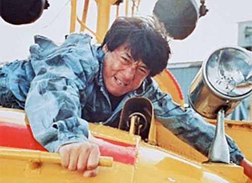Ah Keung (Jackie Chan in Rumble in the Bronx) clinging to the hovercraft