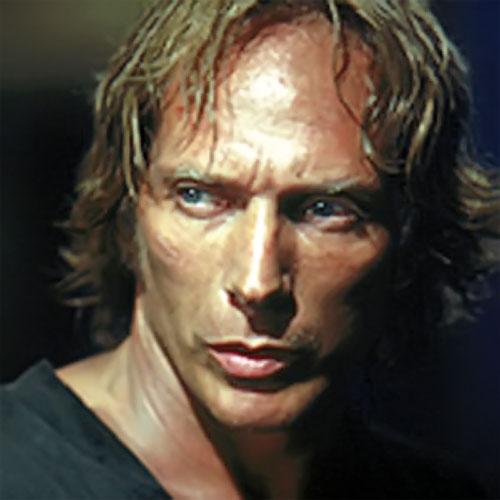 Alexander Mahone (William Fichtner in Prison Break) with long hair