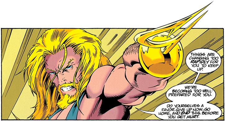 Aquaman pointing his harpoon hand
