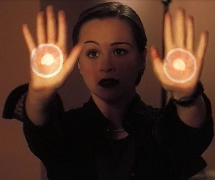 Aviva (Danielle Harris) casts a spell