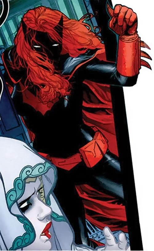 Batwoman (Katherine Kane) (DC Comics modern) rushing Alice