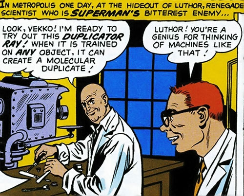 Lex Luthor builds his bizarro duplicator ray