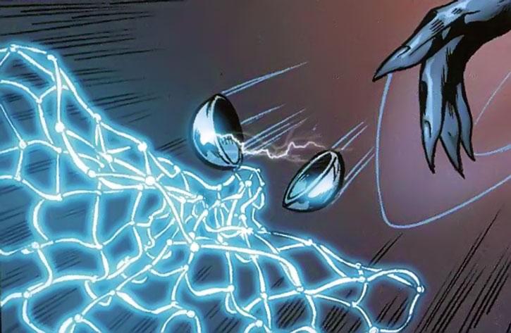 Black Panther (Shuri) throwing a shock net