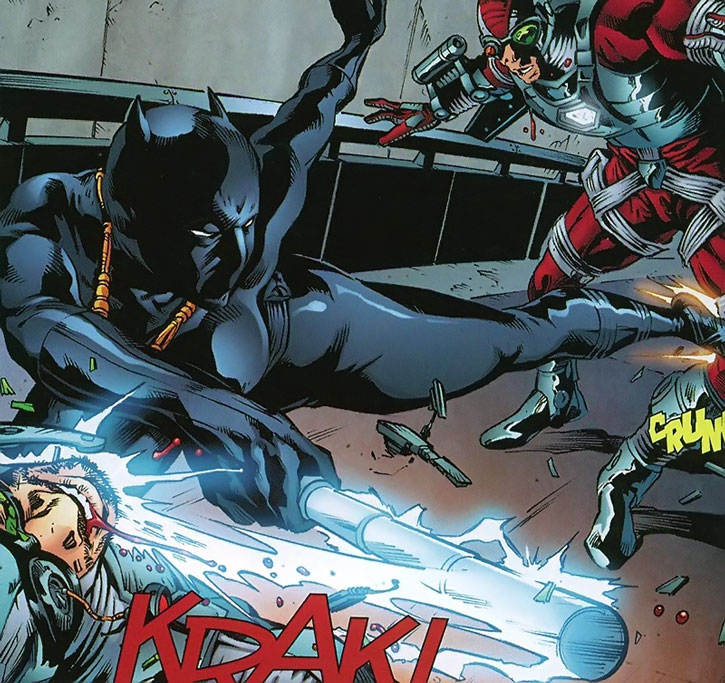 Black Panther (Shuri) fighting agents