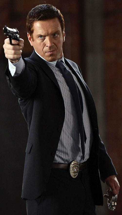 Charlie Crews (Damian Lewis in the Life TV series) pointing a pistol