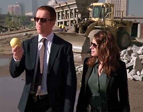 Charlie Crews (Damian Lewis in the Life TV series) in a construction area