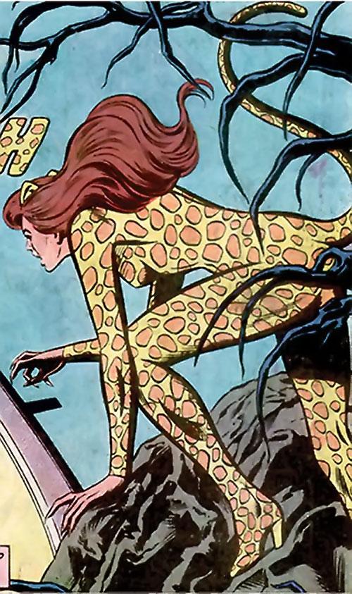Cheetah (Wonder Woman enemy) (DC Comics) (Domaine) prowling