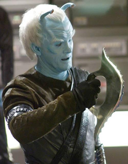 Commander Shran (Jeffrey Combs in Star Trek: Enterprise) with a bladed weapon