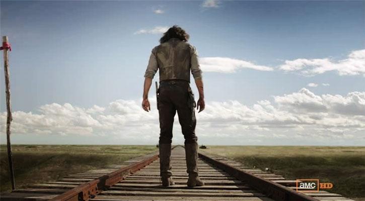 Cullen Bohannon (Anson Mount) on a railroad