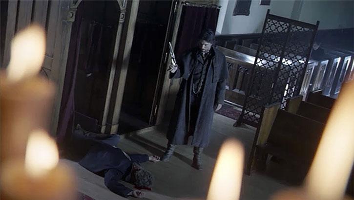 Cullen Bohannon (Anson Mount) kills a man in a church