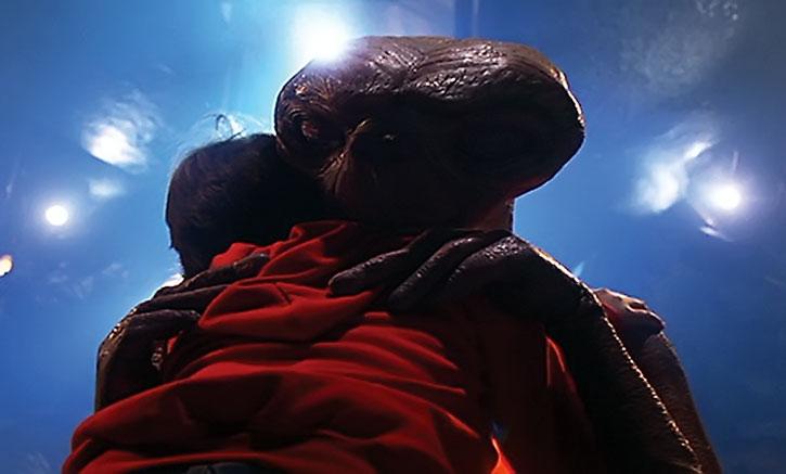E.T. hugs Elliot