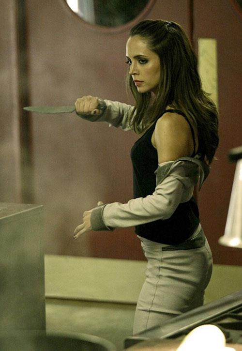 Echo (Eliza Dushku in Dollhouse) with a knife