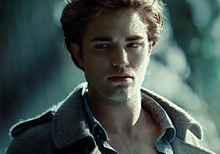 Edward Cullen (Robert Pattinson) glittering in the sun