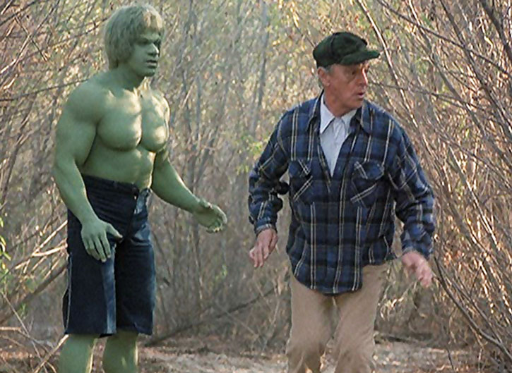 The Hulk (Lou Ferrigno) and Dell Frye (Harry Townes)