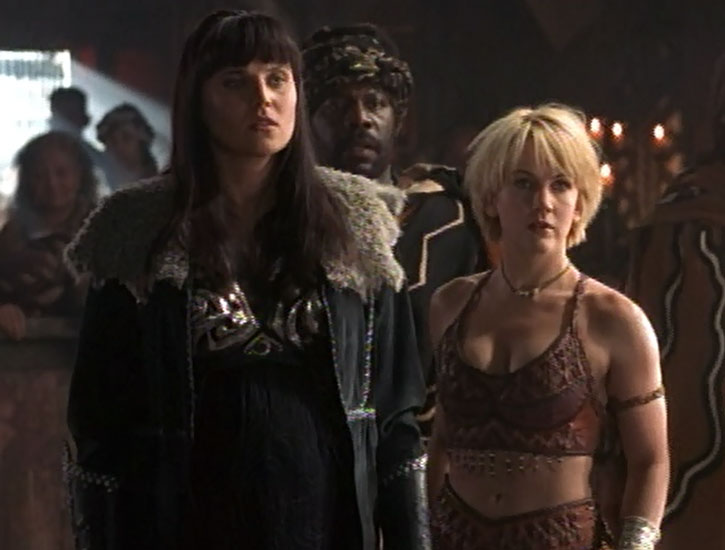 Gabrielle (Renee O'Connor) and Xena (Lucy Lawless)