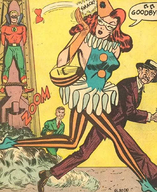 Harlequin (Molly Maynne) blowing kisses at Green Lantern