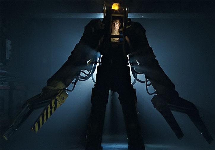 Helen Ripley (Sigourney Weaver) in a loader exoskeleton