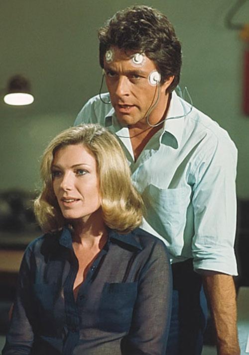 Bruce Banner (Bill Bixby) and Elaina (Susan Sullivan)