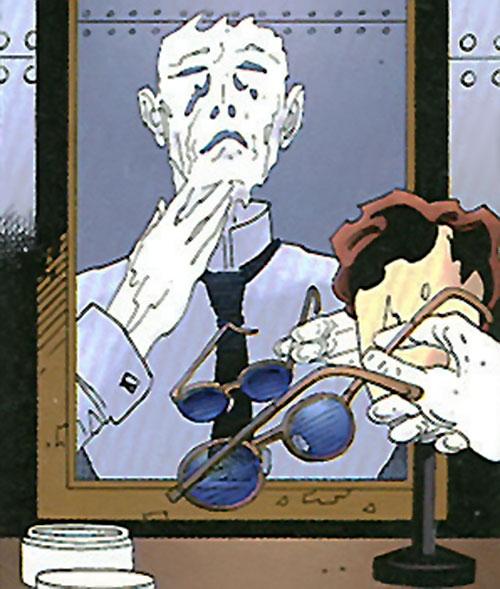 The Invisible Man (League of Extraordinary Gentlemen) applying makeup