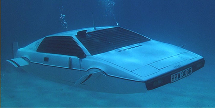 The James Bond Lotus Esprit in submersible mode