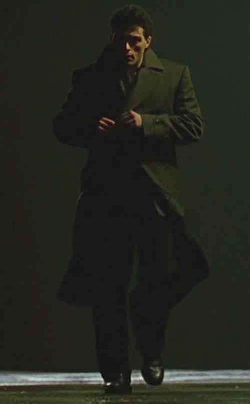 John Murdoch (Rufus Sewell in Dark City) on a dark street