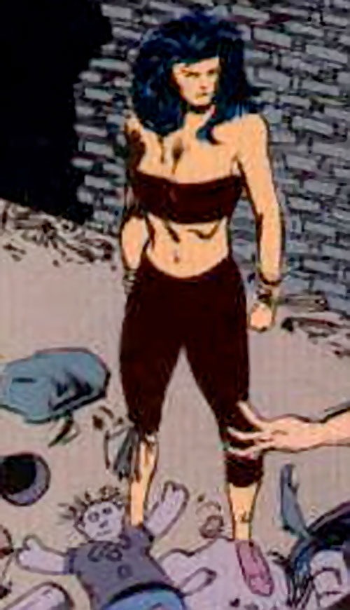 Lady Shiva (The Question) in an alley