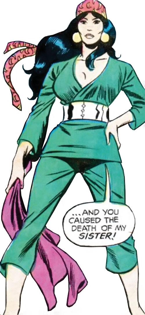 Lady Shiva (Richard Dragon early version) (DC Comics) dressed in green