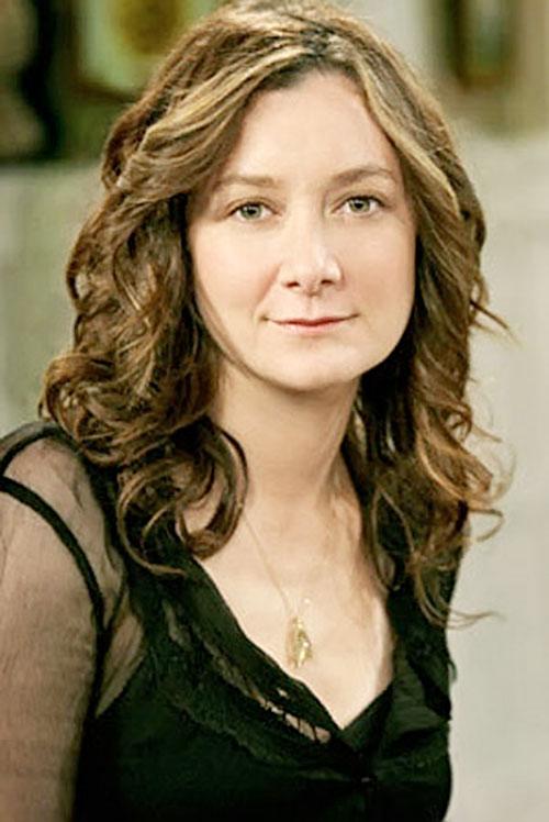 Leslie Winkle (Sara Gilbert in Big Bang Theory)