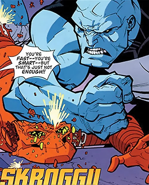 Mauler Twins (Invincible enemy) (Image Comics) smashing Robot's skull