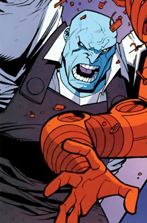 Mauler Twins (Invincible enemy) (Image Comics) hitting Robot