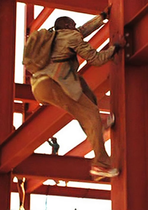 Mollaka (Sebastien Foucan in James Bond Casino Royale) climbing beams