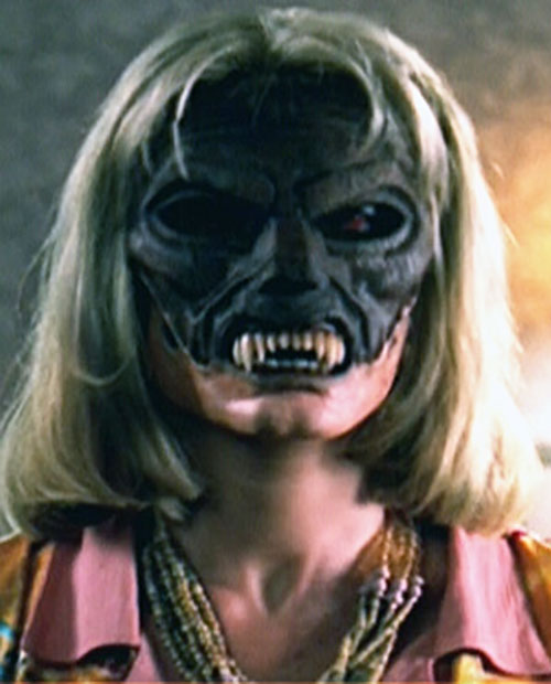 Ovu Mobani (Buffy the Vampire Slayer enemy) mask worn by a zombie woman 2/3