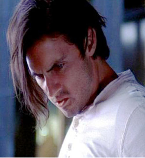 Peter Petrelli (Milo Ventimiglia in Heroes) with emo hair