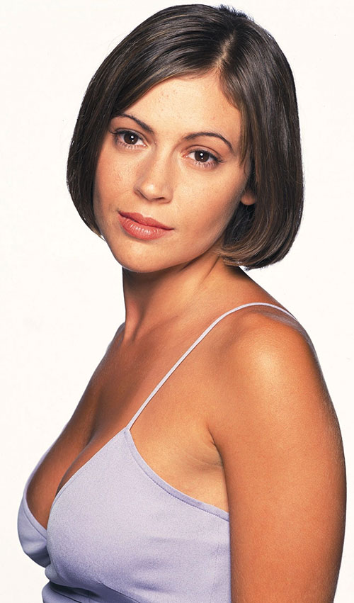 Phoebe Halliwell (Alyssa Milano in Charmed)