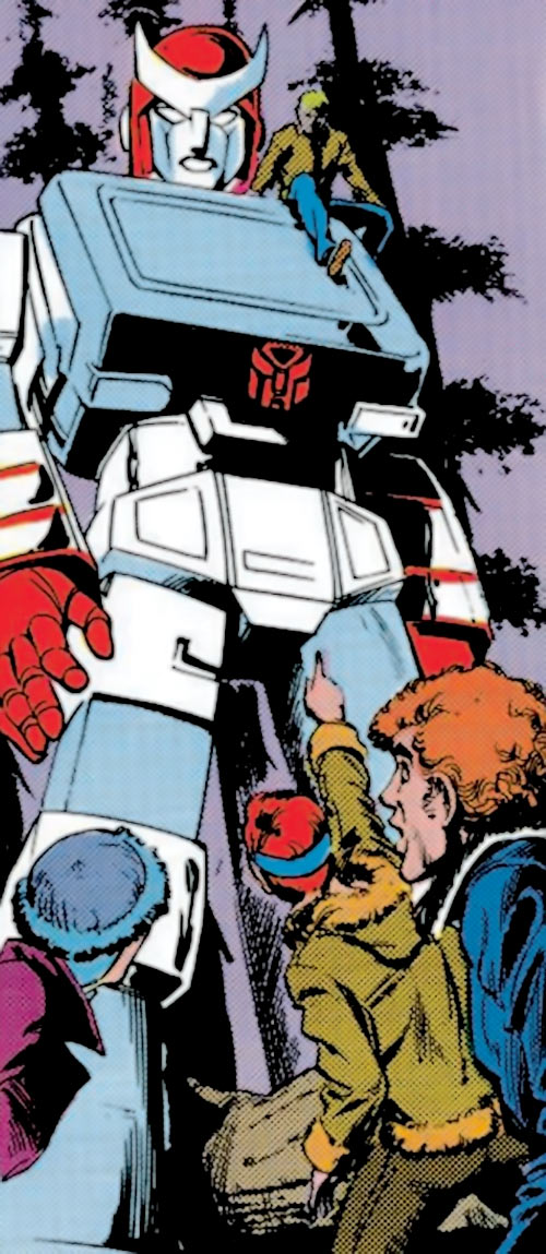 Ratchet of the Transformers (1980s Marvel Comics) among humans