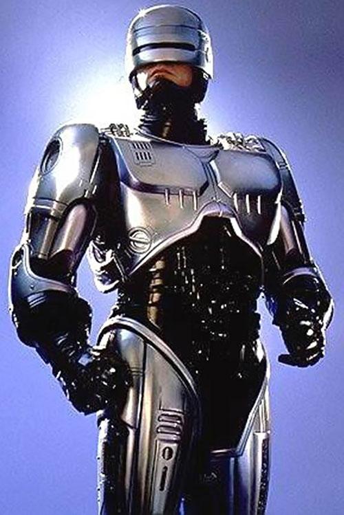 Robocop (Peter Weller) standing over a blue sky