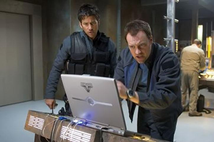 Rodney McKay (David Hewlett) and Sheppard