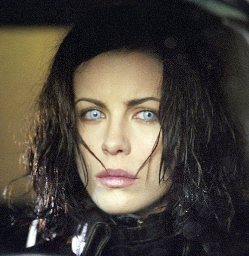 Selene (Kate Beckinsale in Underworld movies) with grey-white eyes