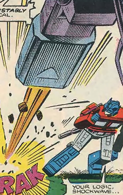 Shockwave of the Transformers (Marvel Comics G1 version) fires at Optimus