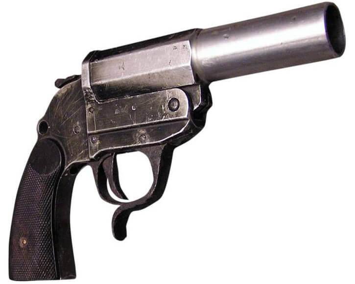 Single shot artisanal pistol using an old revolver