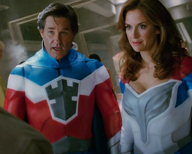 The Commander (Kurt Russell) and Jetstream (Kelly Preston)