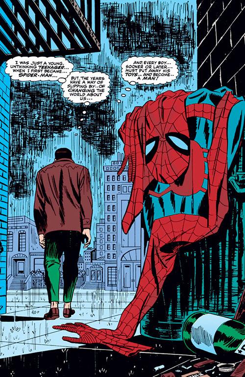 Spider-Man (Marvel Comics) (Peter Parker) no more - trashed costume