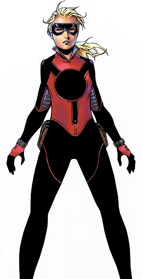 Stature of the Young Avengers (Marvel Comics) with the black and red costume