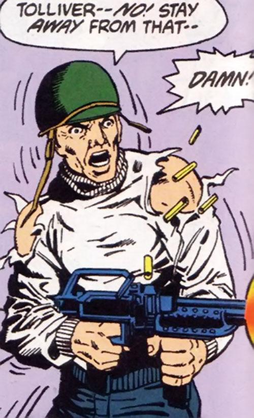 Steve Trevor (Wonder Woman ally) (Post-Crisis DC Comics) in battle
