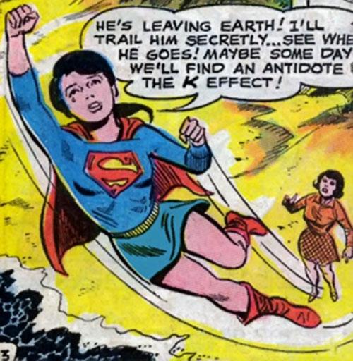 Superlass (Superman's daughter) (DC Comics) flies away from a beach and Lois Lane