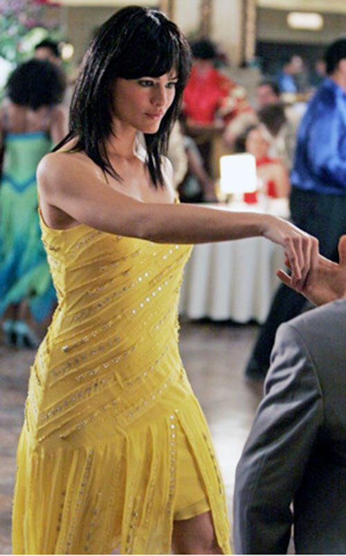 Sydney Bristow (Jennifer Garner in Alias) in a yellow cocktail dress