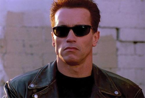 The Terminator (Arnold Schwarzenegger) in T2