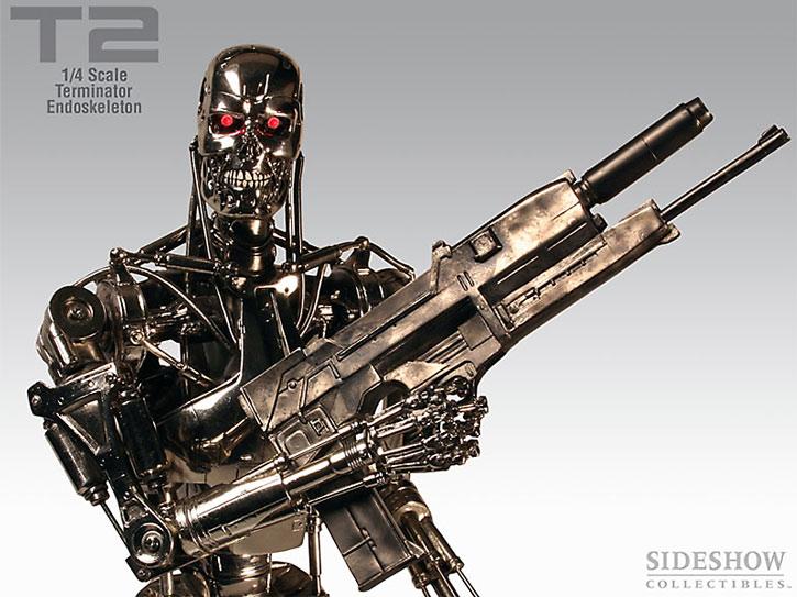 T-800 Terminator statuette with plasma rifle