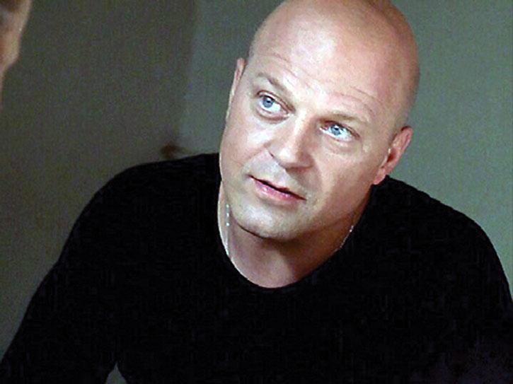 Vic McKey (Michael Chiklis)