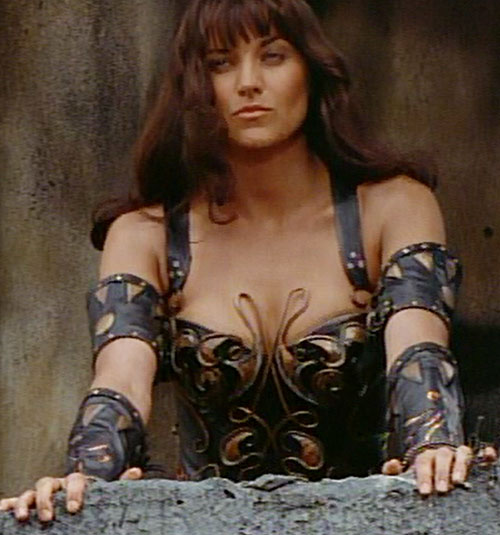 Xena (Lucy Lawless) on a balcony